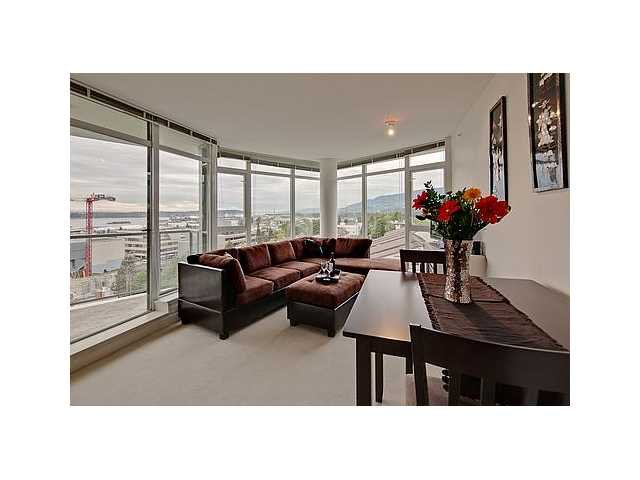 """Photo 7: Photos: 604 175 W 2ND Street in North Vancouver: Lower Lonsdale Condo for sale in """"VENTANA"""" : MLS®# V912477"""