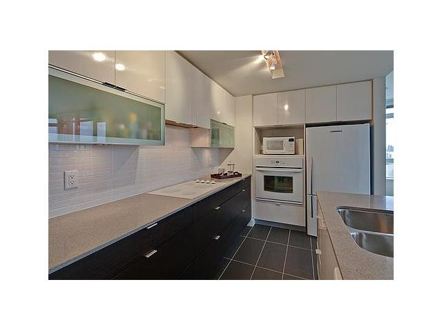 """Photo 3: Photos: 604 175 W 2ND Street in North Vancouver: Lower Lonsdale Condo for sale in """"VENTANA"""" : MLS®# V912477"""