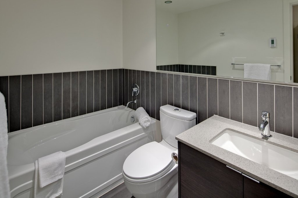 """Photo 13: Photos: 604 175 W 2ND Street in North Vancouver: Lower Lonsdale Condo for sale in """"VENTANA"""" : MLS®# V912477"""