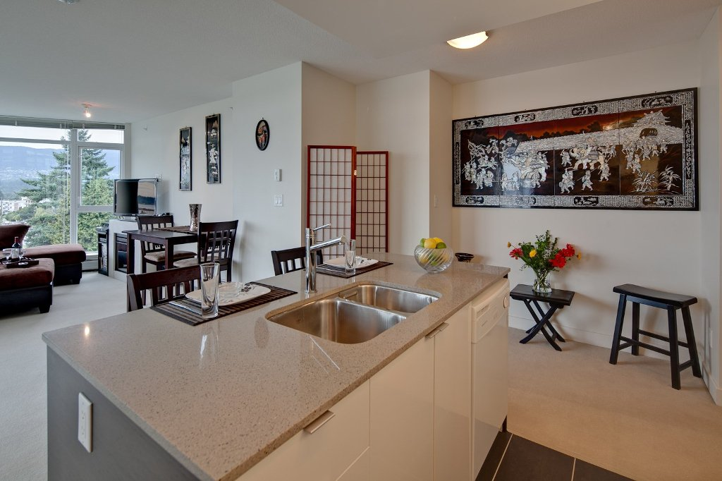 """Photo 4: Photos: 604 175 W 2ND Street in North Vancouver: Lower Lonsdale Condo for sale in """"VENTANA"""" : MLS®# V912477"""