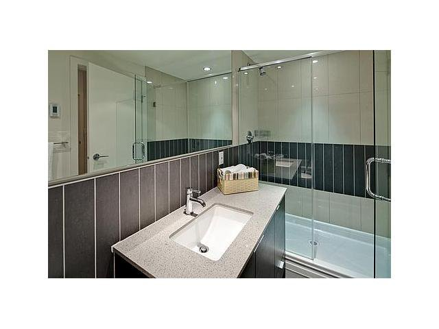 """Photo 11: Photos: 604 175 W 2ND Street in North Vancouver: Lower Lonsdale Condo for sale in """"VENTANA"""" : MLS®# V912477"""