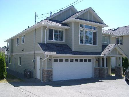 Main Photo: 4073 Santa Maria Ave in Victoria: Residential for sale : MLS®# 281659