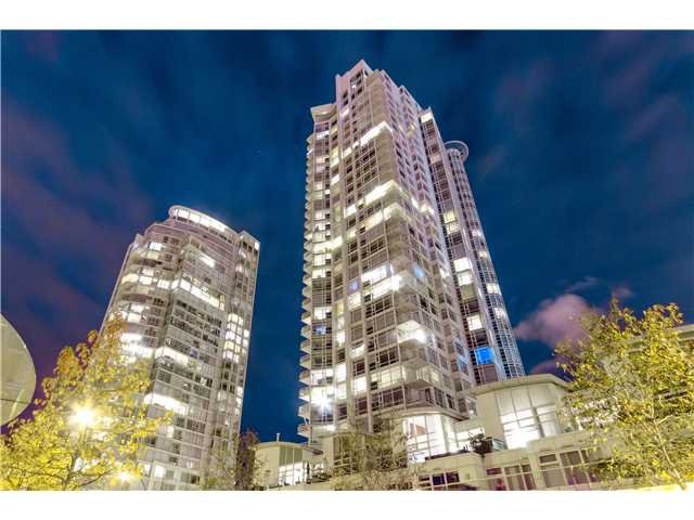 "Main Photo: # 3002 1199 MARINASIDE CR in Vancouver: Yaletown Condo for sale in ""Aquarius Mews"" (Vancouver West)  : MLS®# V1029094"