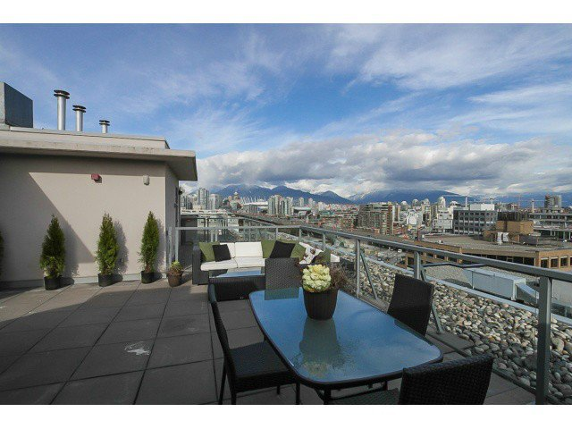 """Main Photo: PH2 587 W 7TH Avenue in Vancouver: Fairview VW Condo for sale in """"AFFINITI"""" (Vancouver West)  : MLS®# V1049007"""