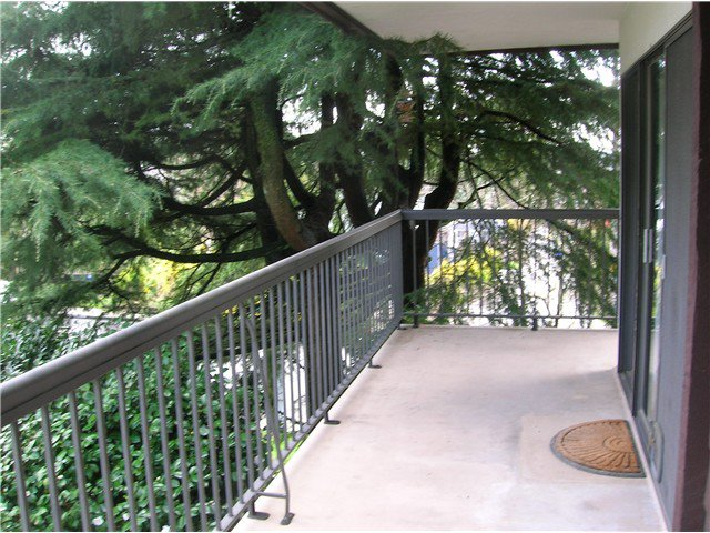 Photo 12: Photos: 205 2710 LONSDALE Avenue in North Vancouver: Upper Lonsdale Condo for sale : MLS®# V1056921
