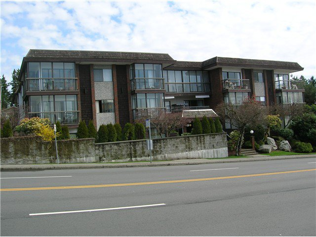 Main Photo: 205 2710 LONSDALE Avenue in North Vancouver: Upper Lonsdale Condo for sale : MLS®# V1056921