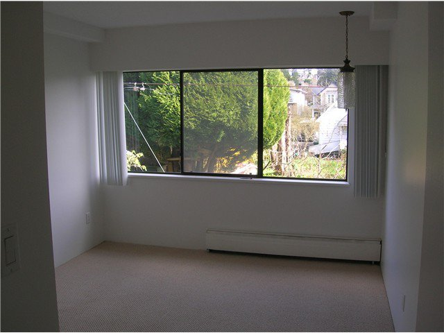 Photo 11: Photos: 205 2710 LONSDALE Avenue in North Vancouver: Upper Lonsdale Condo for sale : MLS®# V1056921