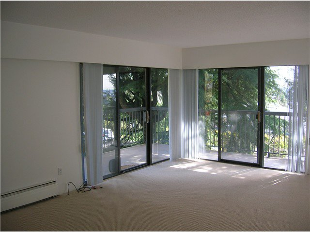 Photo 3: Photos: 205 2710 LONSDALE Avenue in North Vancouver: Upper Lonsdale Condo for sale : MLS®# V1056921
