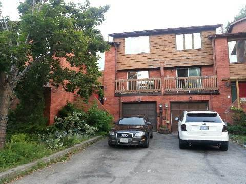 Main Photo: 1270 Cornerbrook Place in Mississauga: Erindale House (3-Storey) for lease : MLS®# W3013919