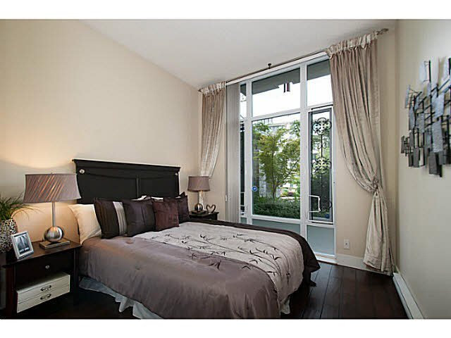 """Photo 12: Photos: 109 4759 VALLEY Drive in Vancouver: Quilchena Condo for sale in """"MARGUERITE HOUSE"""" (Vancouver West)  : MLS®# V1105399"""