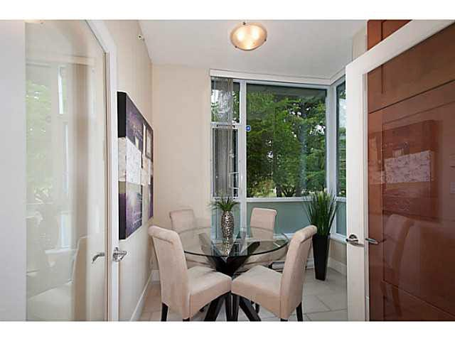 """Photo 7: Photos: 109 4759 VALLEY Drive in Vancouver: Quilchena Condo for sale in """"MARGUERITE HOUSE"""" (Vancouver West)  : MLS®# V1105399"""