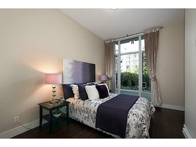 """Photo 10: Photos: 109 4759 VALLEY Drive in Vancouver: Quilchena Condo for sale in """"MARGUERITE HOUSE"""" (Vancouver West)  : MLS®# V1105399"""