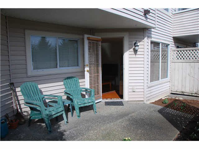 """Main Photo: 210 450 BROMLEY Street in Coquitlam: Coquitlam East Condo for sale in """"BROMLEY MANOR"""" : MLS®# V1110448"""