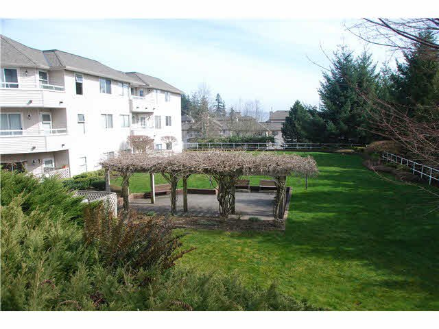 """Photo 3: Photos: 210 450 BROMLEY Street in Coquitlam: Coquitlam East Condo for sale in """"BROMLEY MANOR"""" : MLS®# V1110448"""