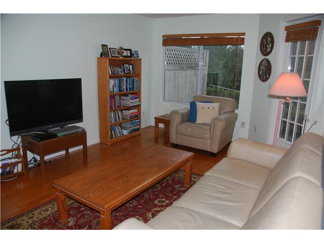 """Photo 6: Photos: 210 450 BROMLEY Street in Coquitlam: Coquitlam East Condo for sale in """"BROMLEY MANOR"""" : MLS®# V1110448"""