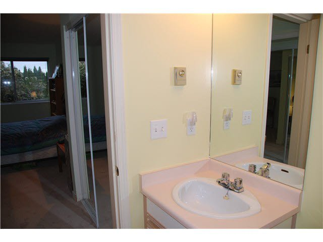"""Photo 9: Photos: 210 450 BROMLEY Street in Coquitlam: Coquitlam East Condo for sale in """"BROMLEY MANOR"""" : MLS®# V1110448"""