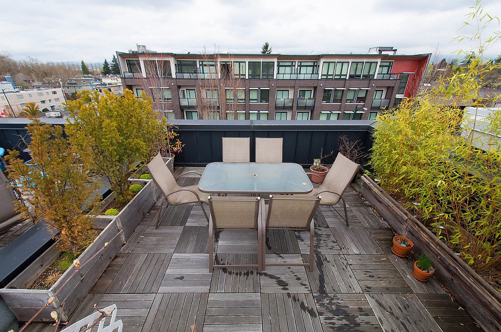 "Photo 23: Photos: 202 3680 W BROADWAY in Vancouver: Kitsilano Townhouse for sale in ""THE COURTYARD"" (Vancouver West)  : MLS®# V1114453"
