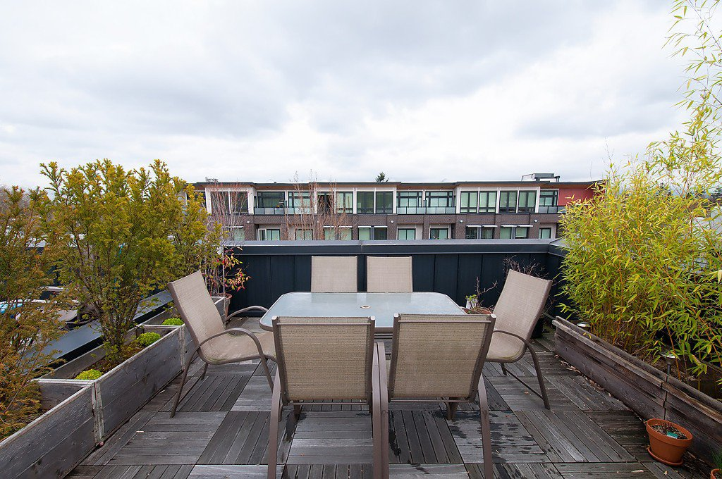 "Photo 24: Photos: 202 3680 W BROADWAY in Vancouver: Kitsilano Townhouse for sale in ""THE COURTYARD"" (Vancouver West)  : MLS®# V1114453"