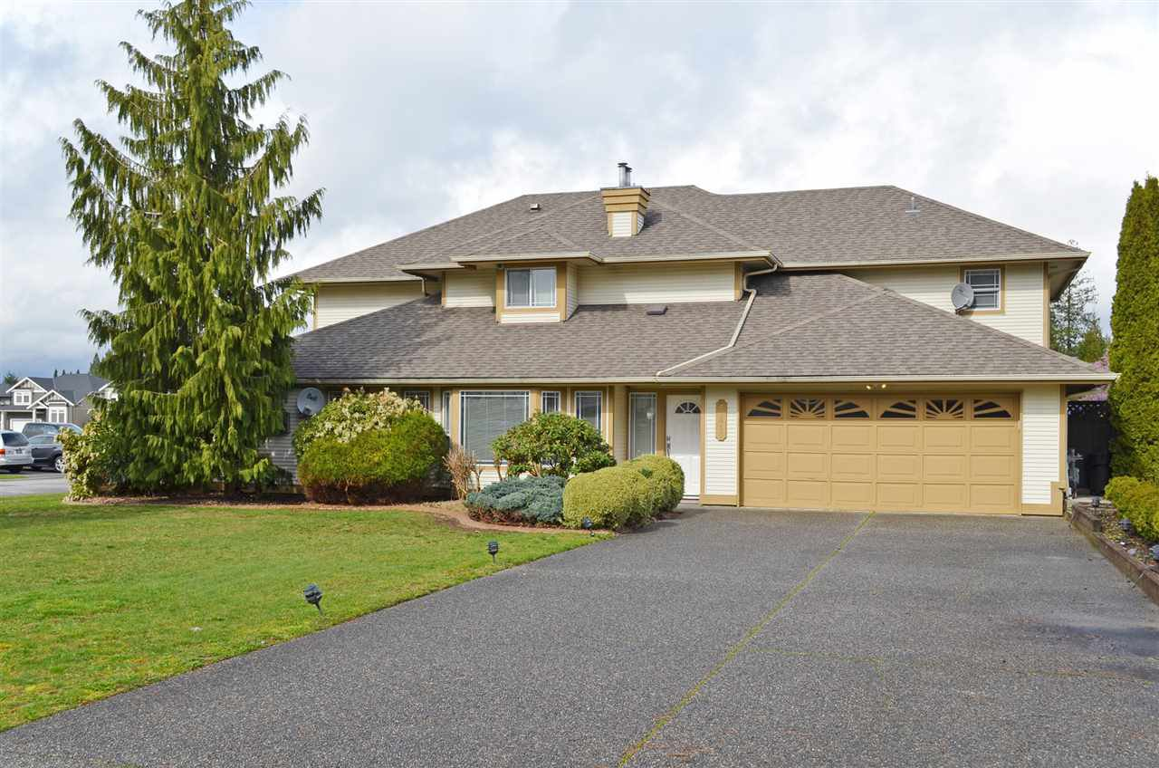 Photo 1: Photos: 20445 120B Avenue in Maple Ridge: Northwest Maple Ridge House for sale : MLS®# R2046322