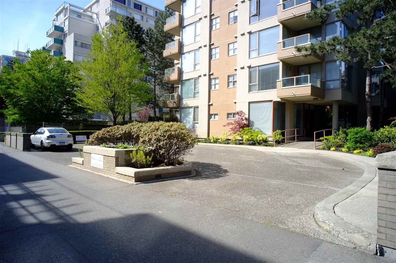 "Photo 3: Photos: 503 2108 W 38TH Avenue in Vancouver: Kerrisdale Condo for sale in ""The Wilshire"" (Vancouver West)  : MLS®# R2058864"