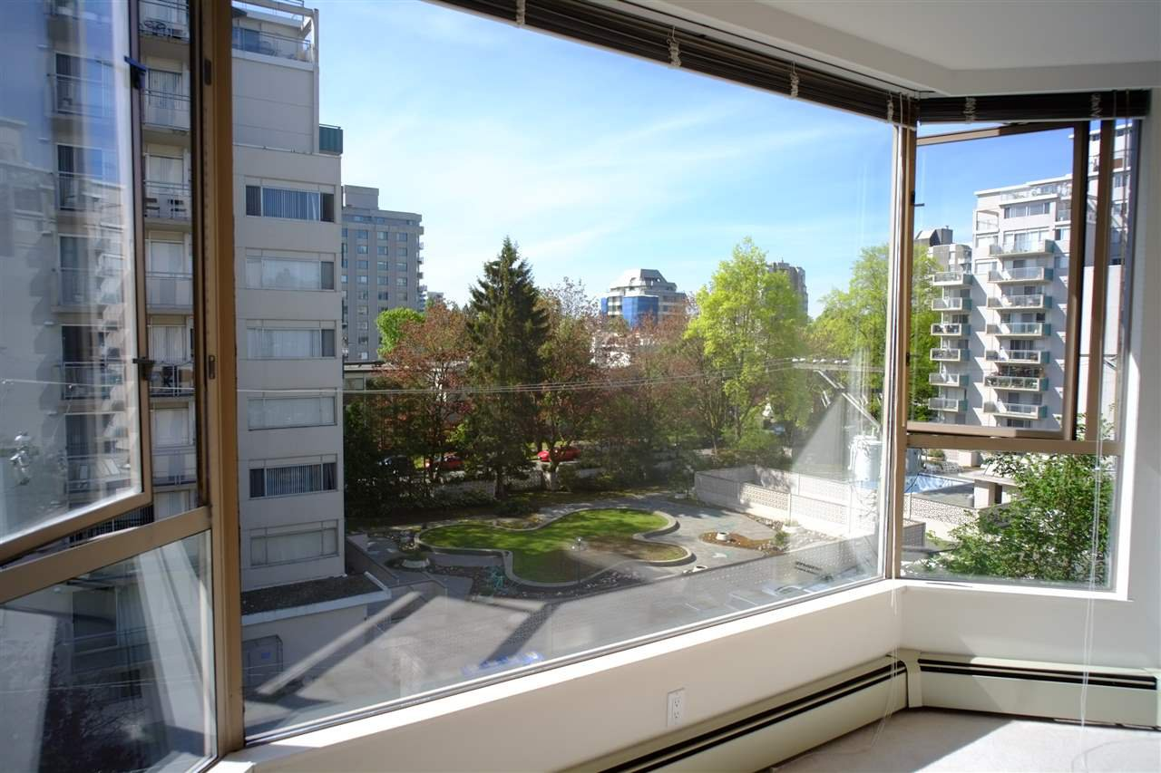 "Photo 11: Photos: 503 2108 W 38TH Avenue in Vancouver: Kerrisdale Condo for sale in ""The Wilshire"" (Vancouver West)  : MLS®# R2058864"
