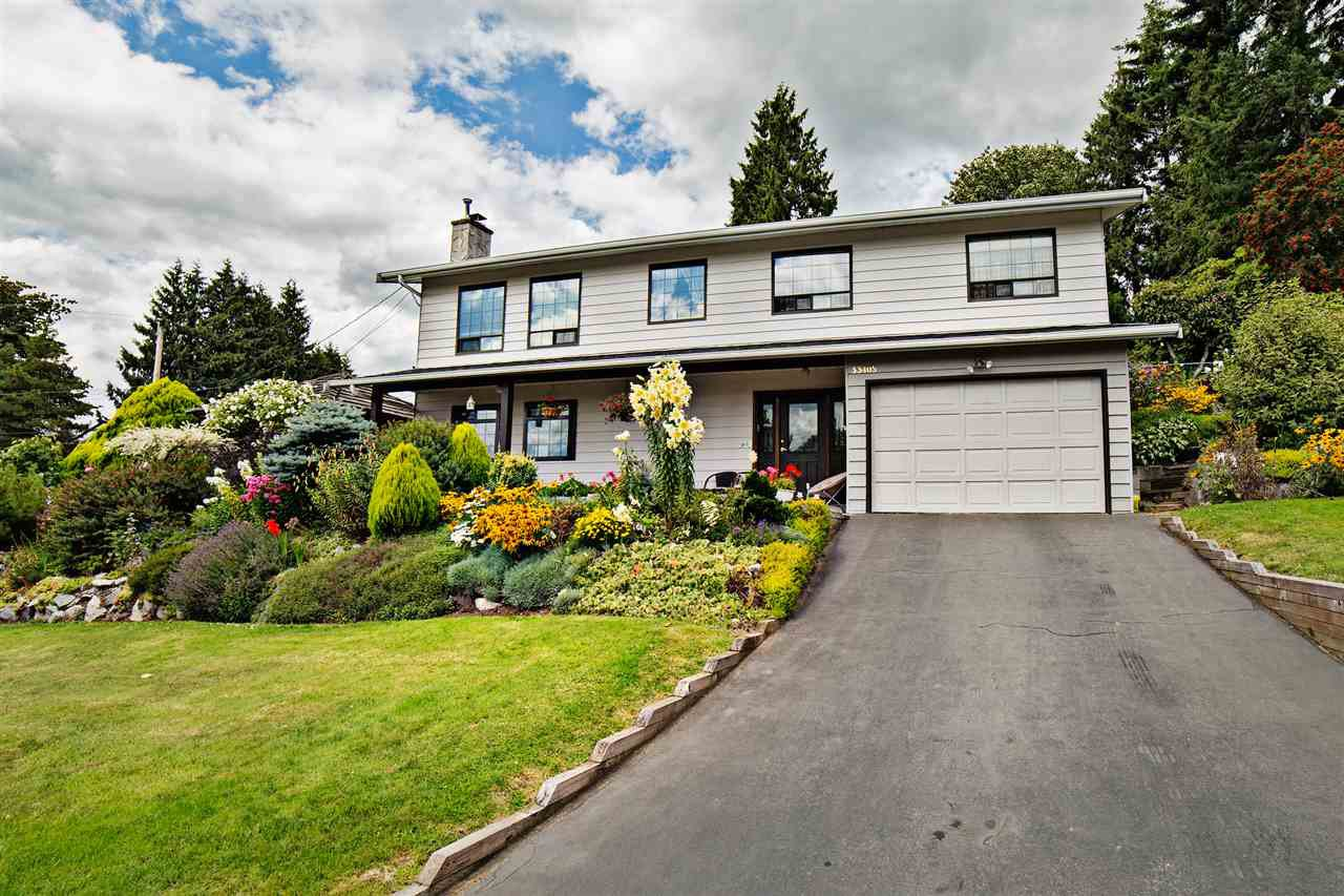 Main Photo: 33405 13TH Avenue in Mission: Mission BC House for sale : MLS®# R2093647