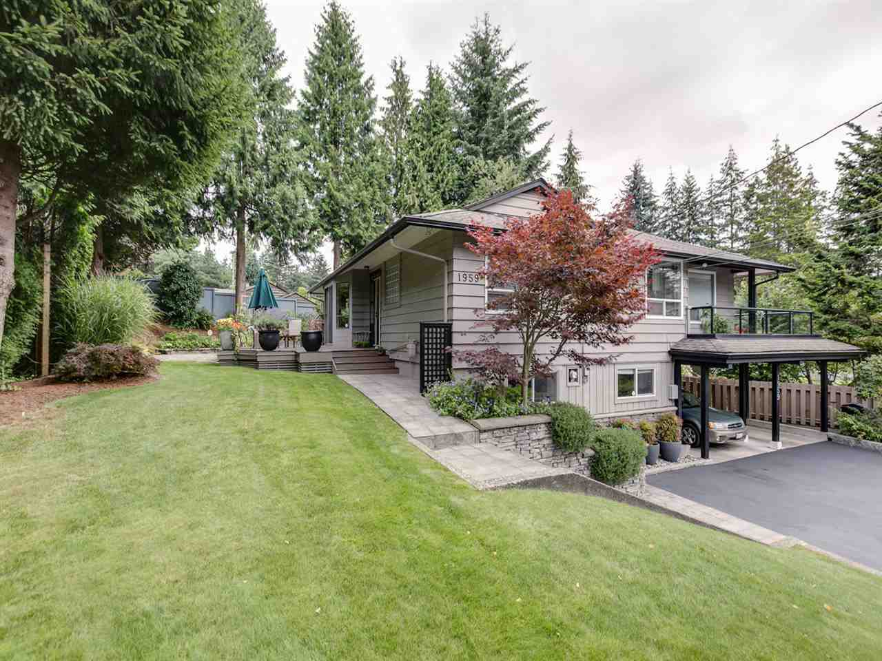 Photo 2: Photos: 1959 ALDERLYNN Drive in North Vancouver: Westlynn House for sale : MLS®# R2094199