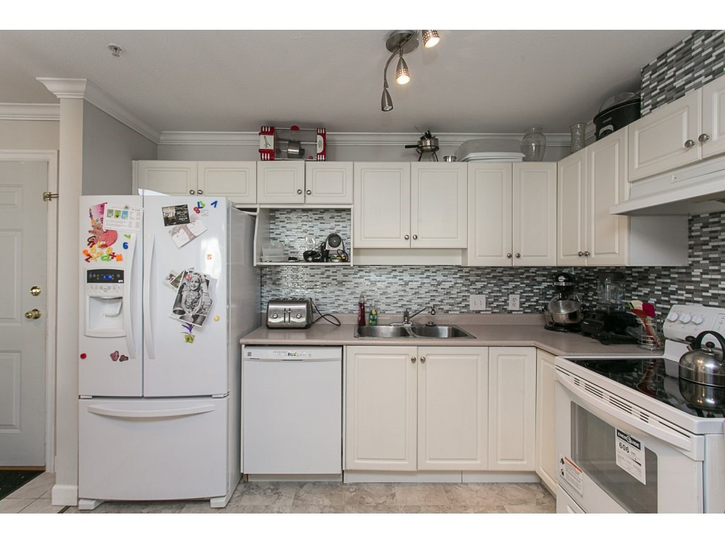 "Photo 7: Photos: 313 33728 KING Road in Abbotsford: Poplar Condo for sale in ""College Park Place"" : MLS®# R2107652"