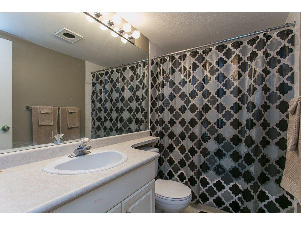 "Photo 13: Photos: 313 33728 KING Road in Abbotsford: Poplar Condo for sale in ""College Park Place"" : MLS®# R2107652"