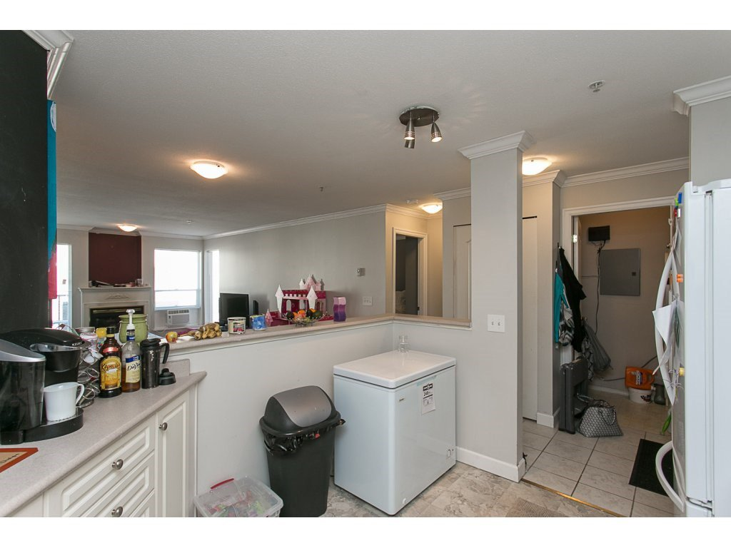 "Photo 10: Photos: 313 33728 KING Road in Abbotsford: Poplar Condo for sale in ""College Park Place"" : MLS®# R2107652"