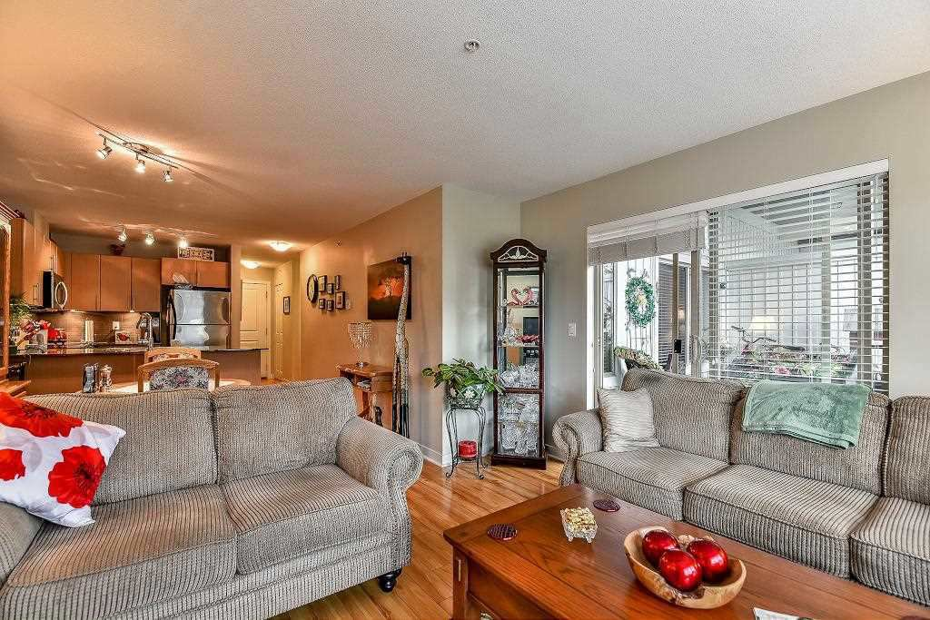 "Photo 18: Photos: A401 8929 202 Street in Langley: Walnut Grove Condo for sale in ""The Grove"" : MLS®# R2108220"