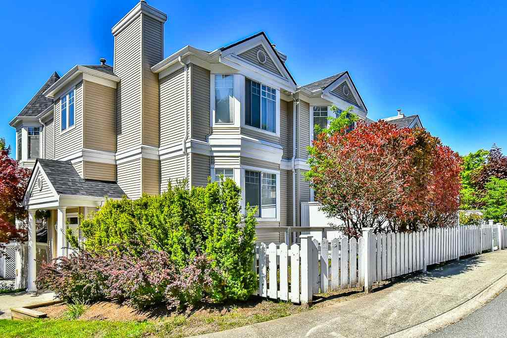 "Main Photo: 88 7501 CUMBERLAND Street in Burnaby: The Crest Townhouse for sale in ""DEERFIELD"" (Burnaby East)  : MLS®# R2170143"