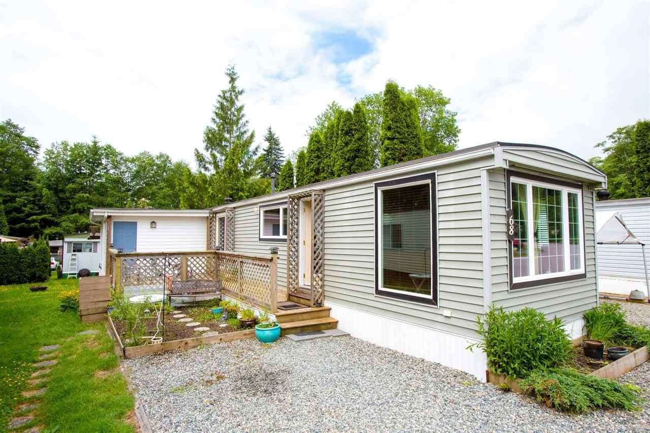"Main Photo: 68 1413 SUNSHINE COAST Highway in Gibsons: Gibsons & Area Manufactured Home for sale in ""THE POPLARS"" (Sunshine Coast)  : MLS®# R2172133"