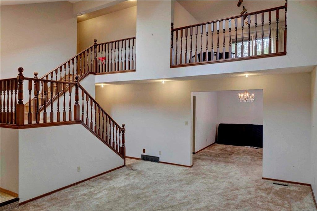 Photo 6: Photos: 543 WOODPARK Crescent SW in Calgary: Woodlands House for sale : MLS®# C4136852