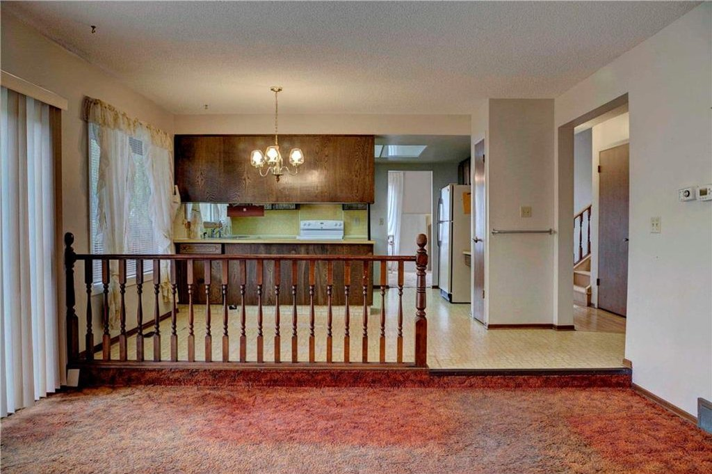 Photo 17: Photos: 543 WOODPARK Crescent SW in Calgary: Woodlands House for sale : MLS®# C4136852