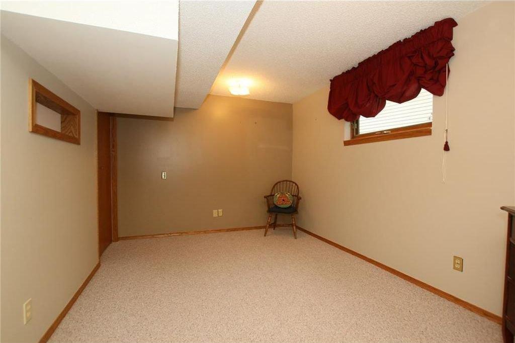 Photo 36: Photos: 2 WEST ANDISON Close: Cochrane House for sale : MLS®# C4141938