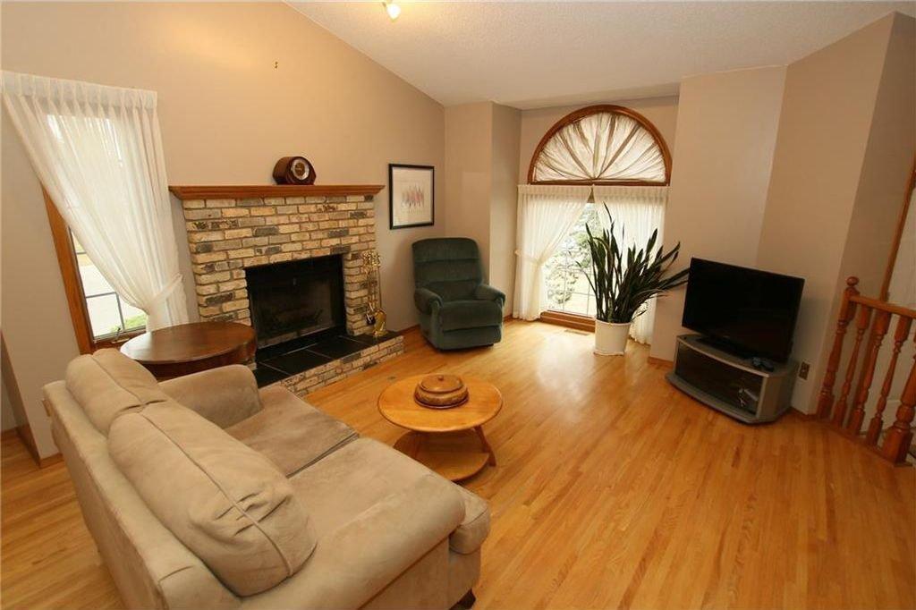 Photo 8: Photos: 2 WEST ANDISON Close: Cochrane House for sale : MLS®# C4141938