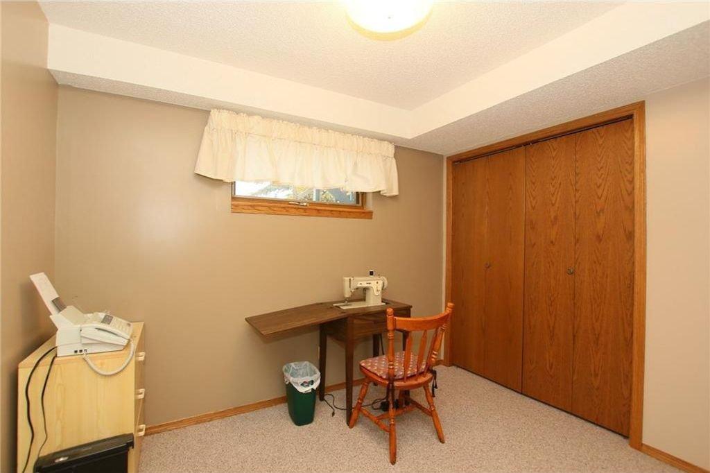 Photo 39: Photos: 2 WEST ANDISON Close: Cochrane House for sale : MLS®# C4141938