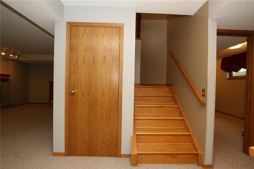 Photo 27: Photos: 2 WEST ANDISON Close: Cochrane House for sale : MLS®# C4141938