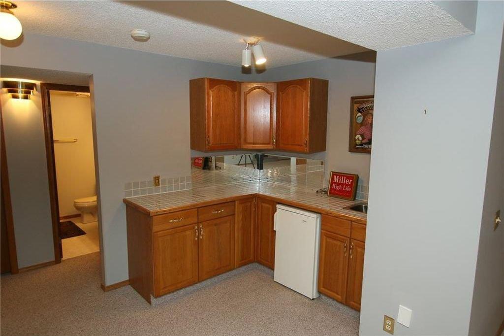 Photo 28: Photos: 2 WEST ANDISON Close: Cochrane House for sale : MLS®# C4141938
