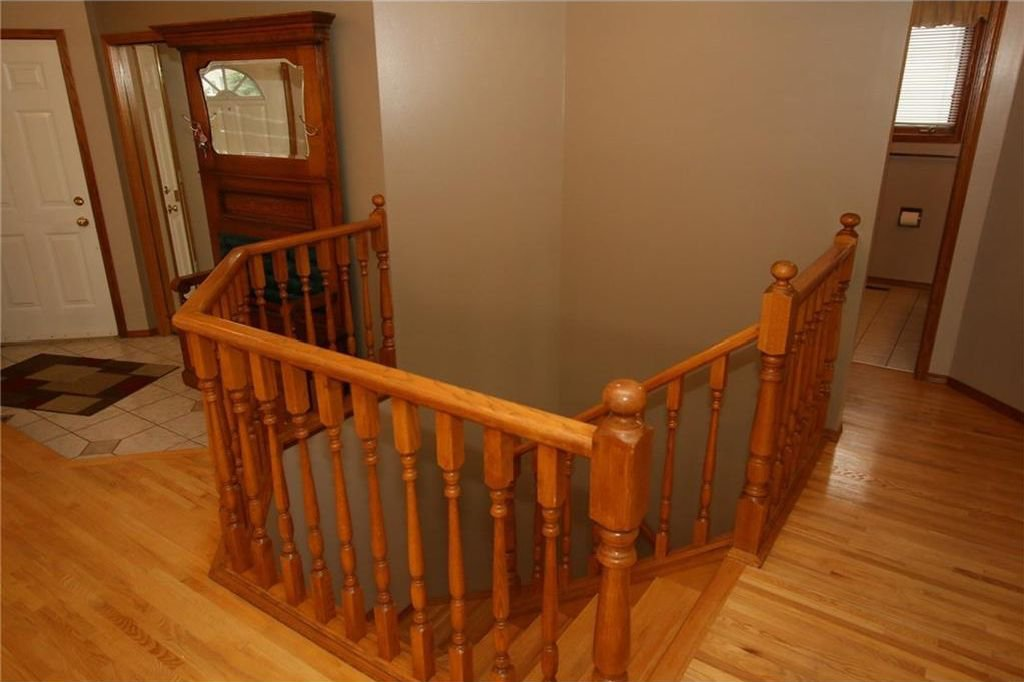 Photo 26: Photos: 2 WEST ANDISON Close: Cochrane House for sale : MLS®# C4141938