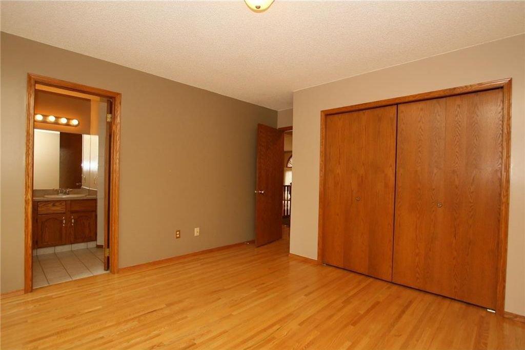 Photo 21: Photos: 2 WEST ANDISON Close: Cochrane House for sale : MLS®# C4141938
