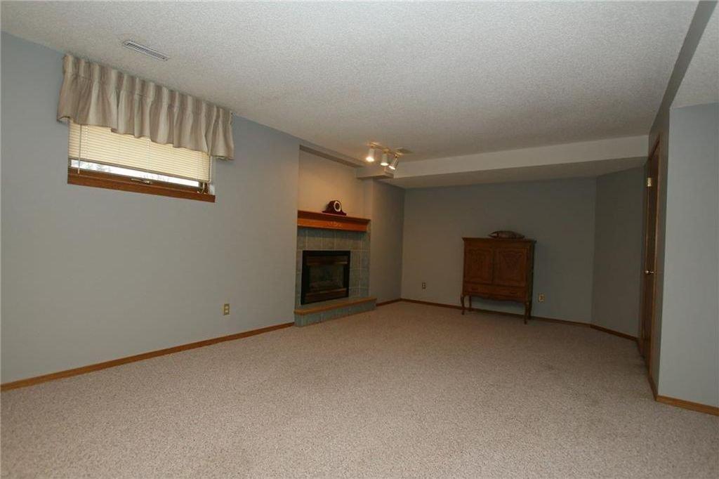 Photo 29: Photos: 2 WEST ANDISON Close: Cochrane House for sale : MLS®# C4141938