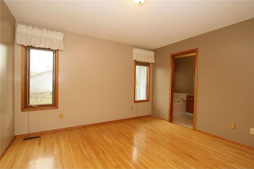 Photo 20: Photos: 2 WEST ANDISON Close: Cochrane House for sale : MLS®# C4141938