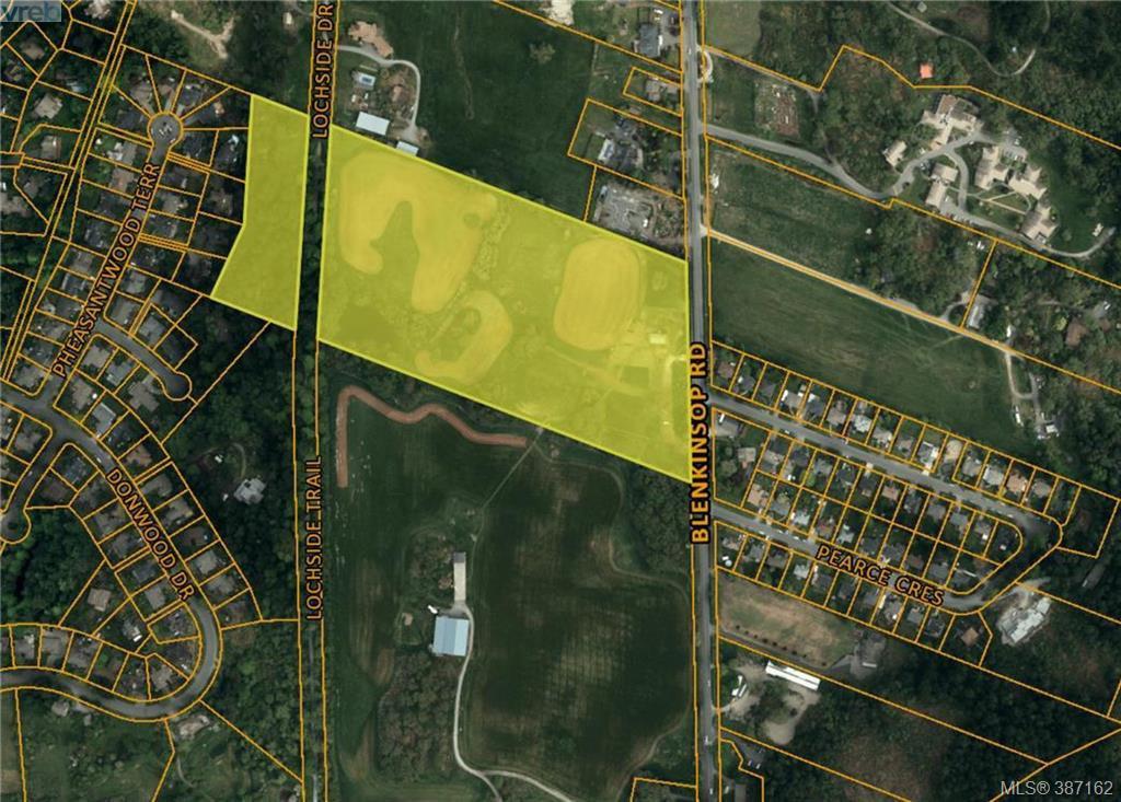 Photo 2: Photos: 4508 Blenkinsop Road in VICTORIA: SE Blenkinsop Single Family Detached for sale (Saanich East)  : MLS®# 387162