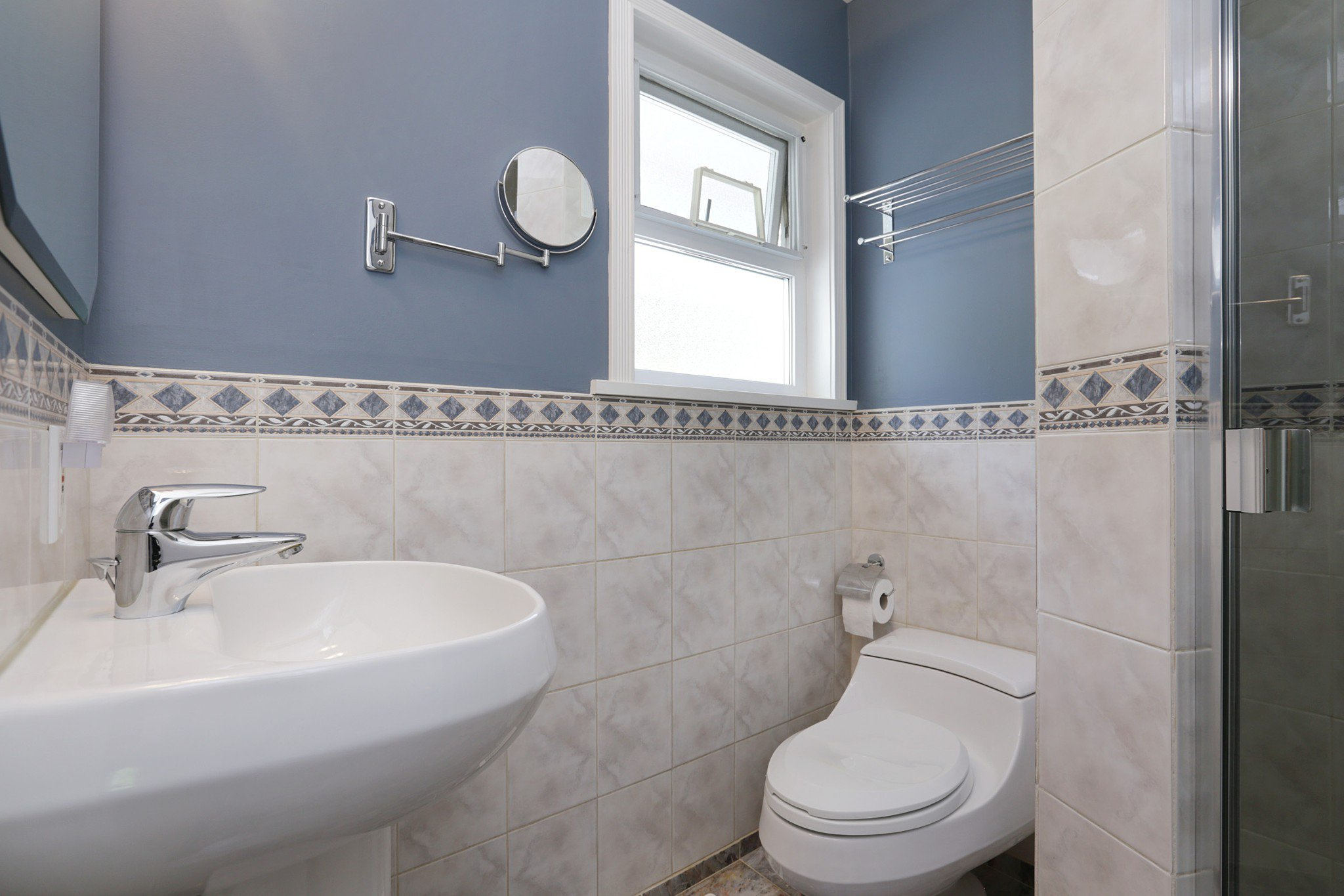 Photo 11: Photos: 372 VENTURA Crescent in North Vancouver: Upper Delbrook House for sale : MLS®# R2284717
