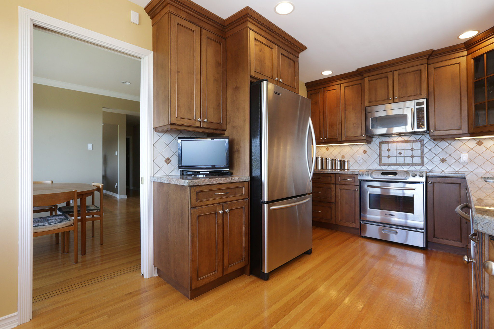 Photo 6: Photos: 372 VENTURA Crescent in North Vancouver: Upper Delbrook House for sale : MLS®# R2284717