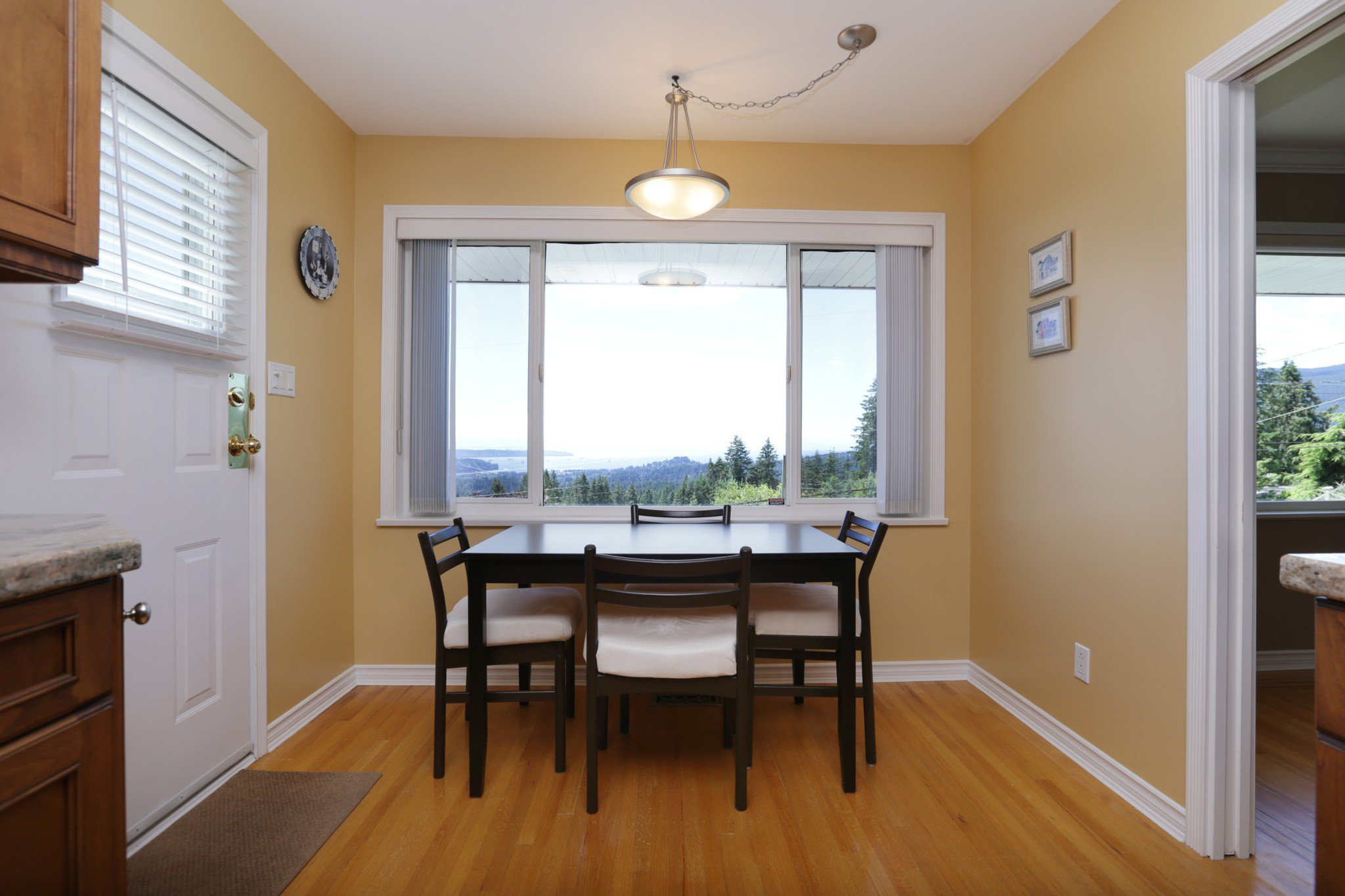Photo 7: Photos: 372 VENTURA Crescent in North Vancouver: Upper Delbrook House for sale : MLS®# R2284717
