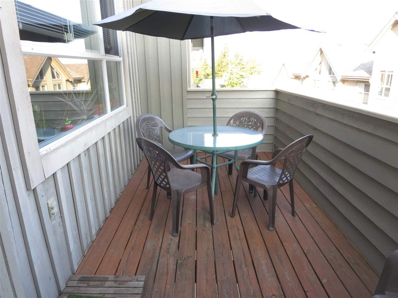 Photo 5: Photos: 2926 PANORAMA Drive in Coquitlam: Westwood Plateau Townhouse for sale : MLS®# R2293331