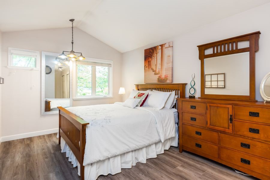 Photo 9: Photos: 1555 BOWSER Avenue in North Vancouver: Norgate Condo for sale : MLS®# R2370578